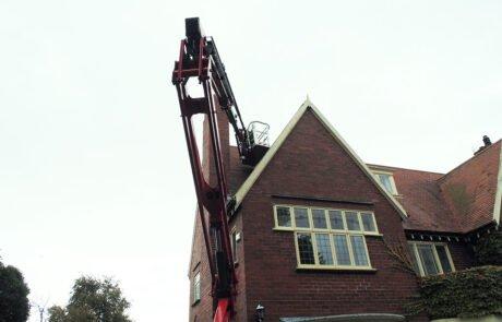 High reach equipment for high roofs